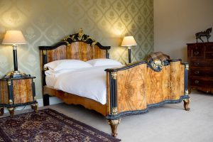 cumberland suite bedroom at grays court boutique hotel in york