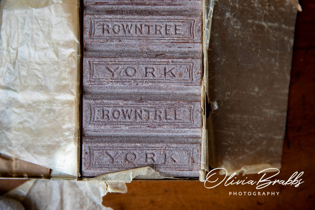 rowntree chocolate from world war one presented by lord mayor to serving soldiers